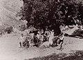 Gloeden, Wilhelm von - Sizilianische Bauernfamilie bei Taormina (Zeno Fotografie).jpg