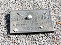 Gotland-Lärbro kyrka Bemaltes Friedhof KZ-Opfer Juden.jpg