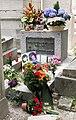 Grave of Jim Morrison 2012-07-05.jpg