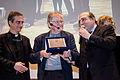 Guido Ruccio, marketing director di AD, consegna la targa Premio Chiara alla Carriera a Ermanno Olmi, con Mons. Dario E. Viganò.jpg