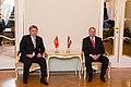 Gundars Daudze tiekas ar Kirgizstānas Republikas ārlietu ministru.jpg