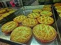 HK 灣仔 Wan Chai 春園街 Spring Garden Lane Dec-2013 金鳳茶餐廳 Kam Fung Cafe coconut tarts.JPG