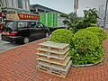 HK Central Man Yiu Street n Man Kwong Street wooden Plastic Pallet trays May-2013.JPG
