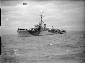 HMS Hussar WWII IWM FL 22918.jpg