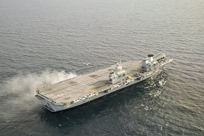 https://upload.wikimedia.org/wikipedia/commons/thumb/8/82/HMS_Queen_Elizabeth_on_F-35B_flying_trials_DT-2.jpg/800px-HMS_Queen_Elizabeth_on_F-35B_flying_trials_DT-2.jpg