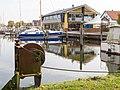 Hafenbecken und Vareler Brauhaus (2012).jpg