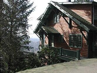 Healy Heights, Portland, Oregon - A hillside home in Healy Heights