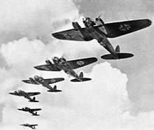 Bombardiere Heinkel He 111 durante la battaglia di Inghilterra.