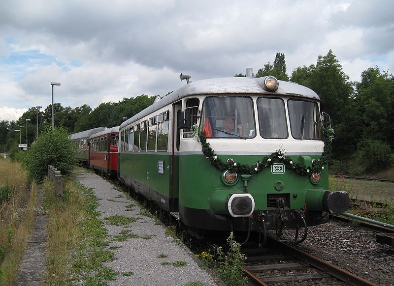 File:Hemer-Bahnhof4-Asio.JPG