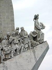 O herói da obra, os portugueses. Monumento aos Descobrimentos Portugueses em Belém, Lisboa, Portugal