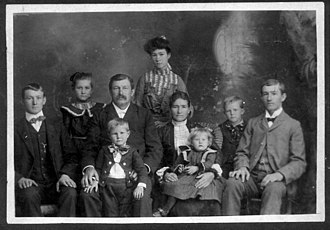 Herman Weiss - Image: Herman Weiss Family 600