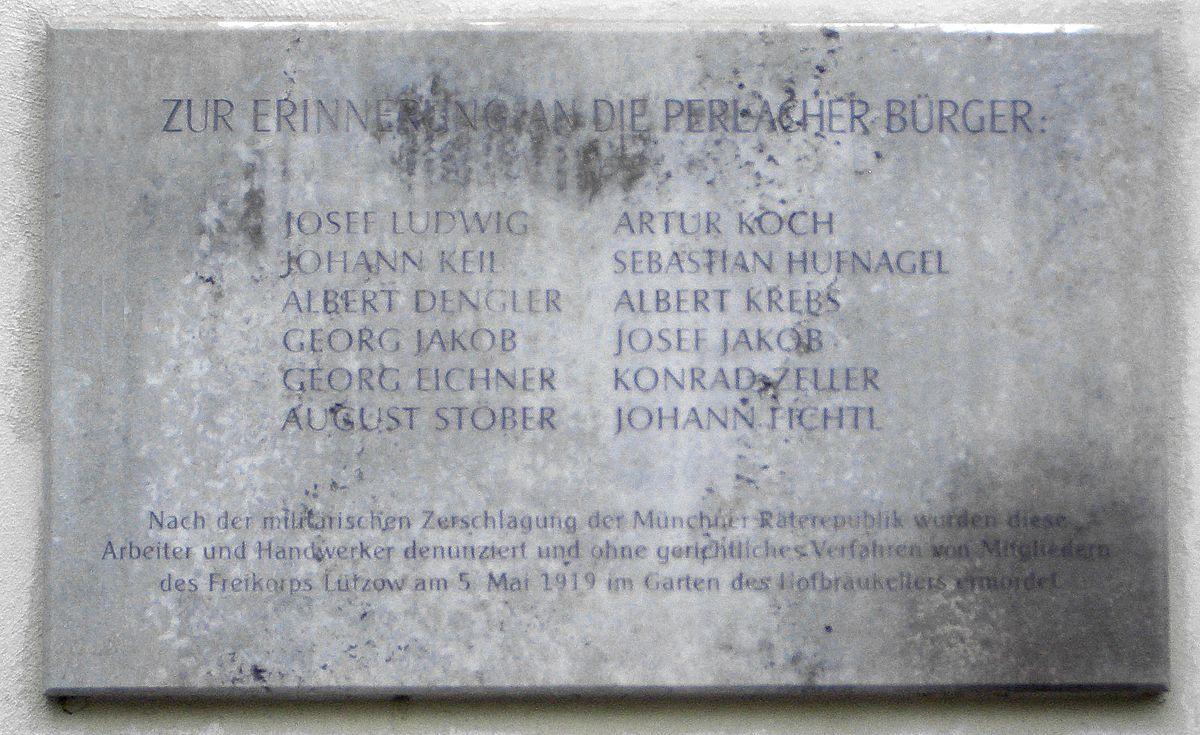 Hofbräukeller München Gedenktafel.JPG