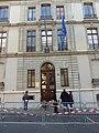 Hommage aux victimes des attentats du 13 novembre 2015 en France au Consulat de France de Genève-46.jpg