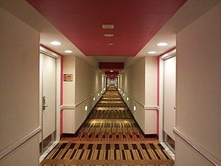 File hotel wikimedia commons for Hotel hallway decor