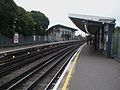 Hounslow East stn look west2.JPG