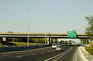 Interstate 65 in Kentucky - Interstate 65 northbound at the William H. Natcher Parkway in Bowling Green, Kentucky, with Clearview font signage