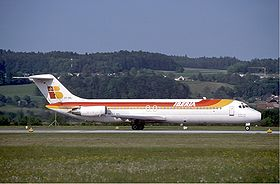 Iberia McDonnell Douglas DC-9-32 at Zurich Airport in May 1985.jpg