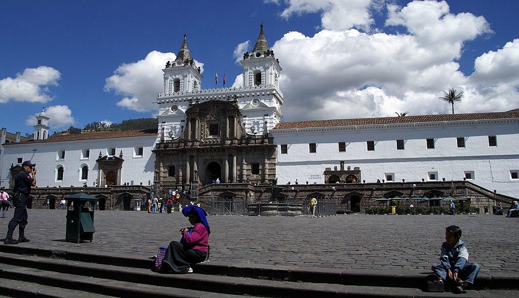 File iglesia de san francisco quito for Ministerios del ecuador