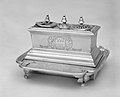 Inkstand on a tray MET 202211.jpg