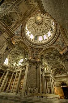 Interior del Panteón de París.