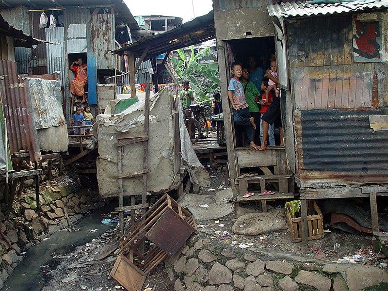 Ficheiro:Jakarta slumlife31.JPG