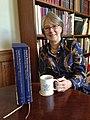 Jane Turner in haar kantoor in het Rijksprentenkabinet.jpg