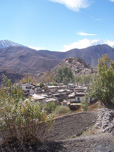 File:Jhong, Mustang, Nepal.JPG