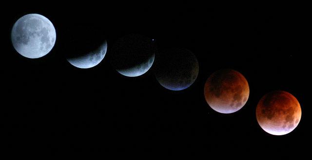 Mondfinsternis vom 28. August 2007 (Fotomontage)