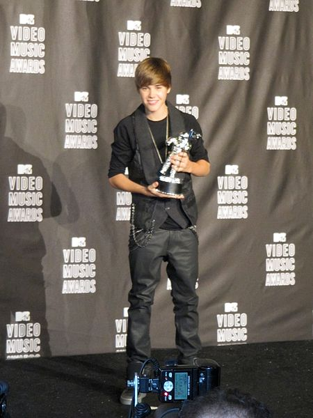 File:Justin Bieber - MTV Video Music Awards 2010.jpg