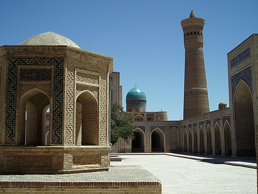 Kalyan Mosque Bokhara May 2007 - panoramio - David Holt