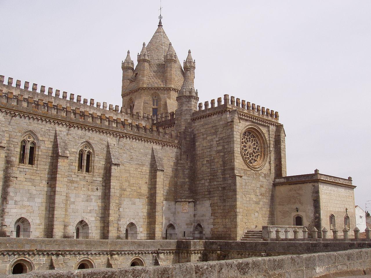Karinecyril evora cathedrale2.JPG