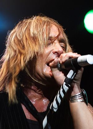 Kevin DuBrow - DuBrow performing at the Del Mar Fairgrounds in July 2007