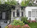 Kirchhofstr 1 Friedhof Grabmal 2.JPG