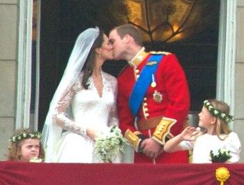 Kiss Wedding Prince William of Wales Kate Middleton (revised)