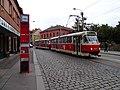 Klapkova, zastávka Ke Stírce, tramvaj.jpg