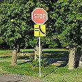Koden-19RJJXHO-road-signs.jpg
