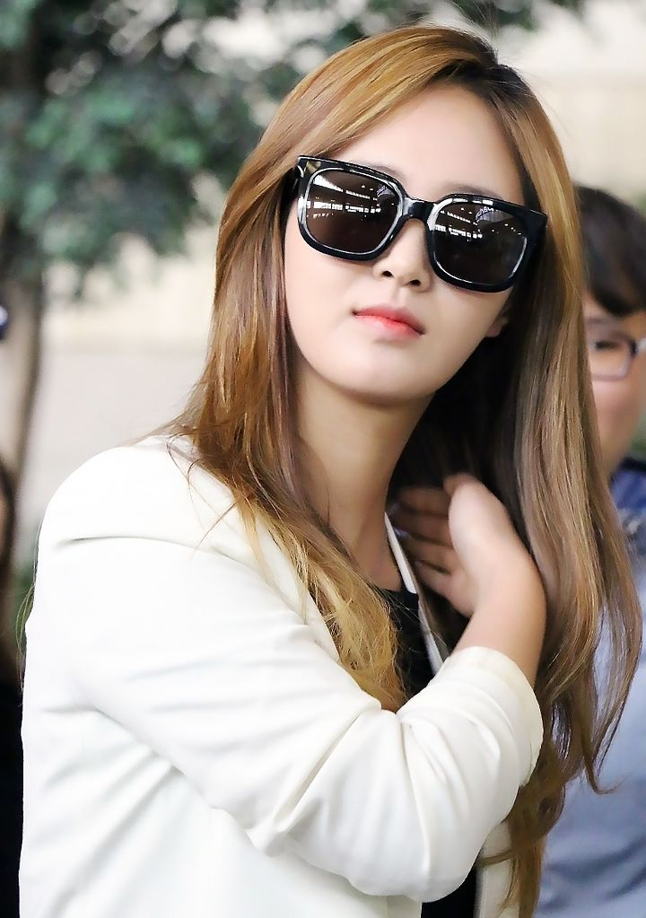 File Kwon Yuri At Gimpo Airport On April 25 2015 Jpg