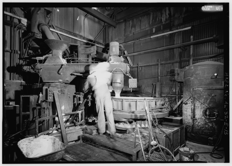 File:LARGE DIAMETER CORE MAKING - PLACEMENT OF SAND. - United States Pipe and Foundry Company Plant, Core Making Shop, 2023 St. Louis Avenue at I-20-59, Bessemer, Jefferson County, AL HAER ALA,37-BES,6E-13.tif