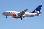 LN-RRY Boeing 737-600 SAS (14622764028).jpg