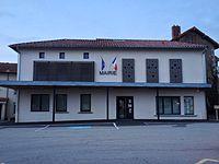 La mairie de Meilhac.jpg