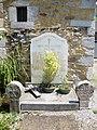 Laguinge (Laguinge-Restoue, Pyr-Atl, Fr) monument aux morts avec stèles basques.JPG