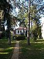 Lakóépület, kert. - Gödöllő, Fenyvesi főút 6.JPG