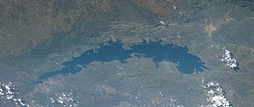 Lake Kariba (cropped).jpg