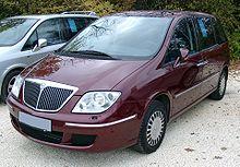 https://upload.wikimedia.org/wikipedia/commons/thumb/8/82/Lancia_Phedra_front_20071105.jpg/220px-Lancia_Phedra_front_20071105.jpg
