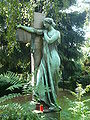 Landsberger Allee Friedhof 'Trauernde' 306.JPG