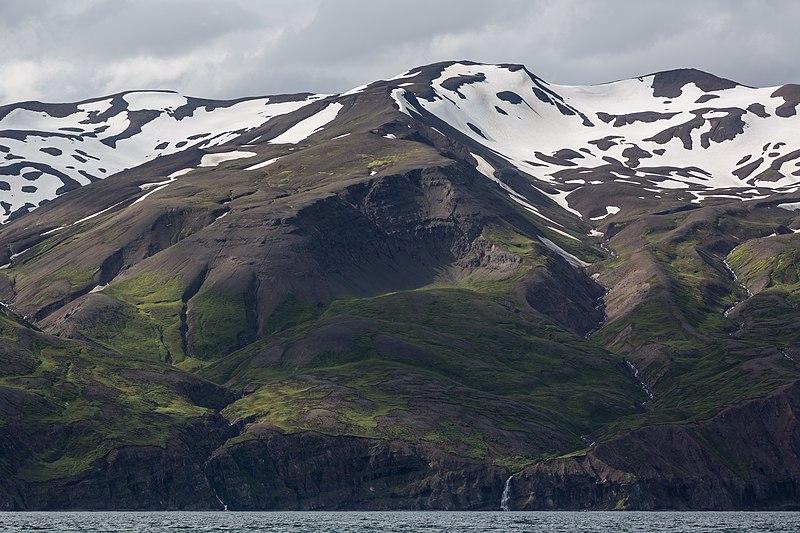 File:Landscape looking west from Skjálfandi version 2.jpg