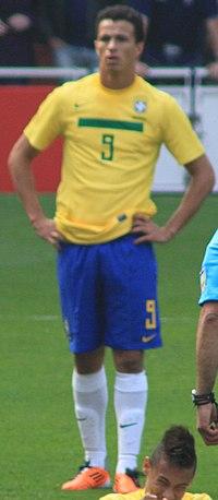 Leandro Damião com a camisa da Seleção Brasileira em 2011. 677f1d5ebec2e