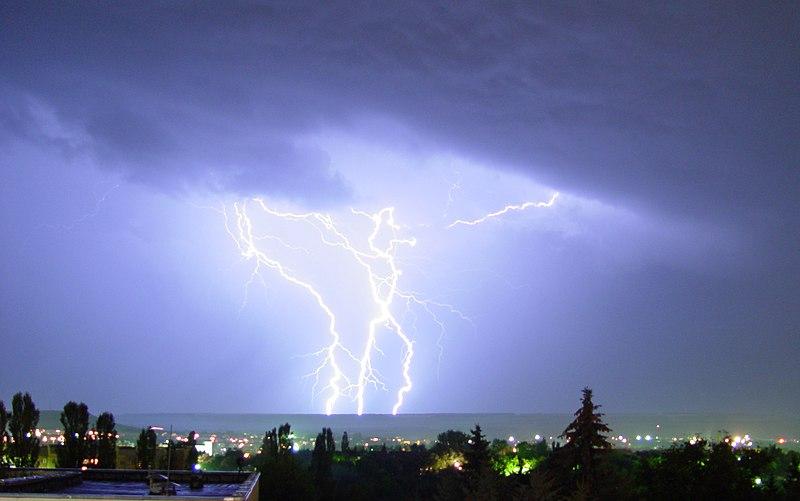 Файл:Lightning 1.jpg