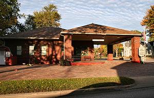 Ligonier, Indiana - Historic Radio Museum and Visitor's Bureau.