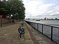 London, Woolwich Dockyard, Thames Path 01.jpg